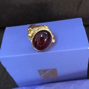 Avon Jewelry - Vintage Avon Elizabeth Taylor Ring